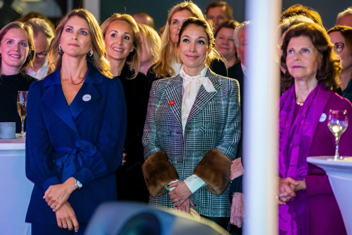 La princesse Madeleine de Suède et la reine Silvia lors de la remise de prix Childhood Prize Ceremony of the World Childhood Foundation à Solna le 9 décembre 2019.