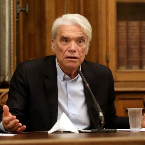 Bernard Tapie annoncé mort par erreur: son fils Stéphane ironise