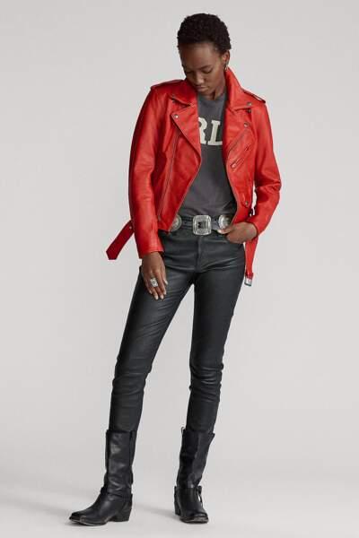 Blouson biker en peau de mouton rouge, 799 €, Ralph Lauren.