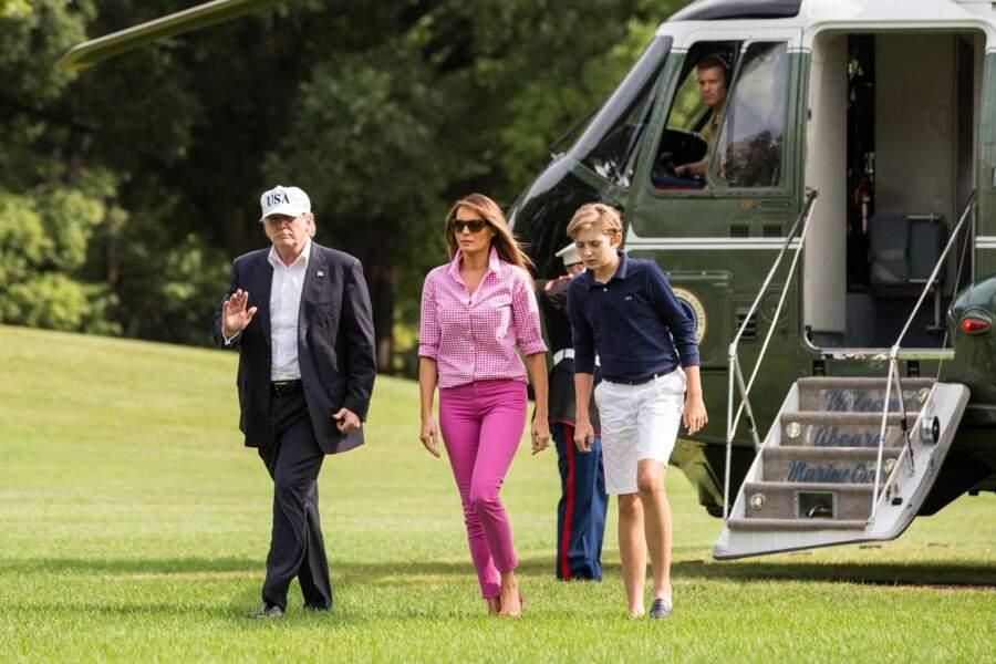 La famille Trump quitte l'hélicoptère Marine One à leur arrivée à la Maison Blanche, Washington le 27 aout 2017.