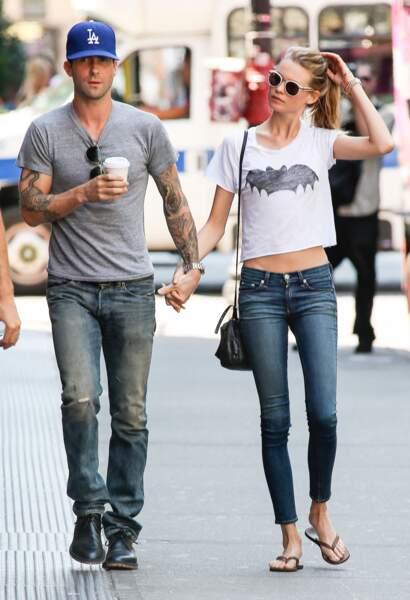 Adam Levine et sa fiancée Behati Prinsloo en 2013, année de leur brève rupture