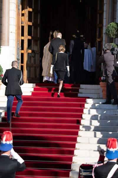 De nombreuses personnes se sont rendues en la cathédrale de Monaco pour la fête nationale.