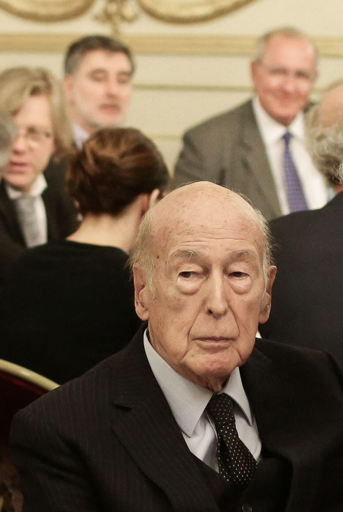 Valéry Giscard d'Estaing critiqué par Line Renaud