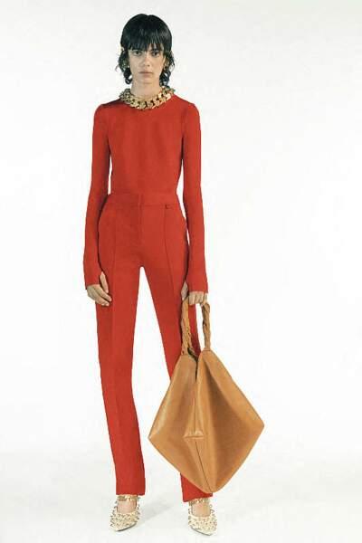 Givenchy mise aussi sur le retour de la coupe mulet.