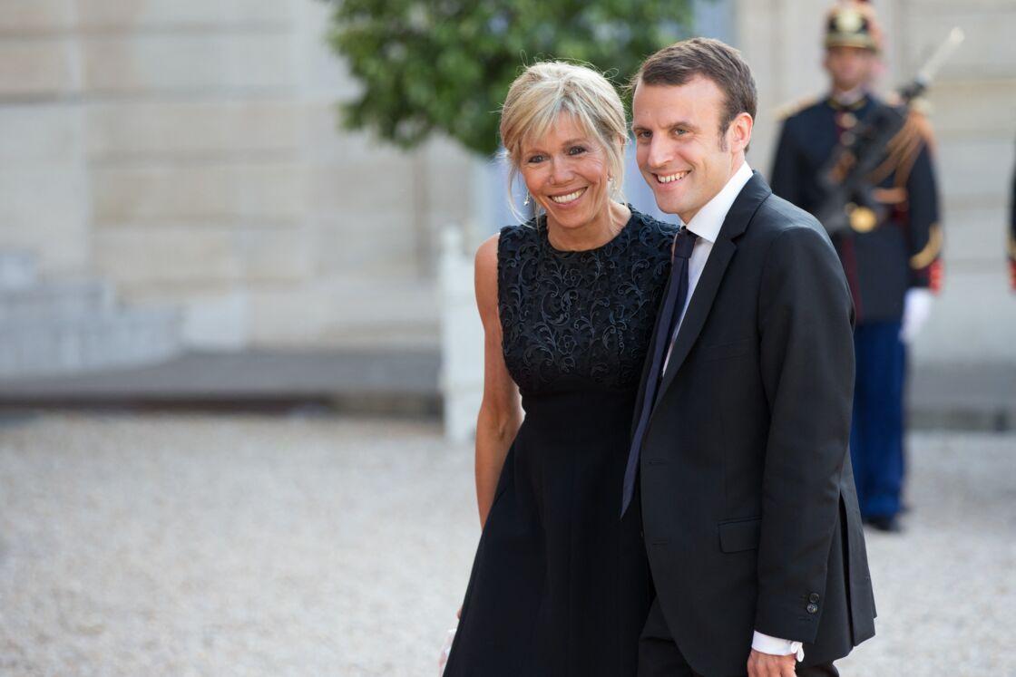 Malgré les commérages et attaques personnelles une fois au pouvoir, Emmanuel et Brigitte Macron ont toujours cru en leur histoire.