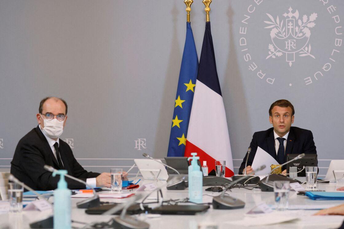 Jean Castex et Emmanuel Macron lors d'une visioconférence à l'Élysée le 17 novembre 2020