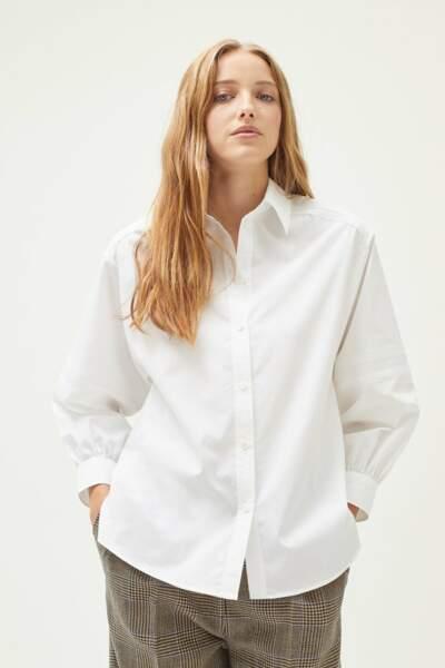Chemise blanche à volume droit et manches longues, 135€, Pablo