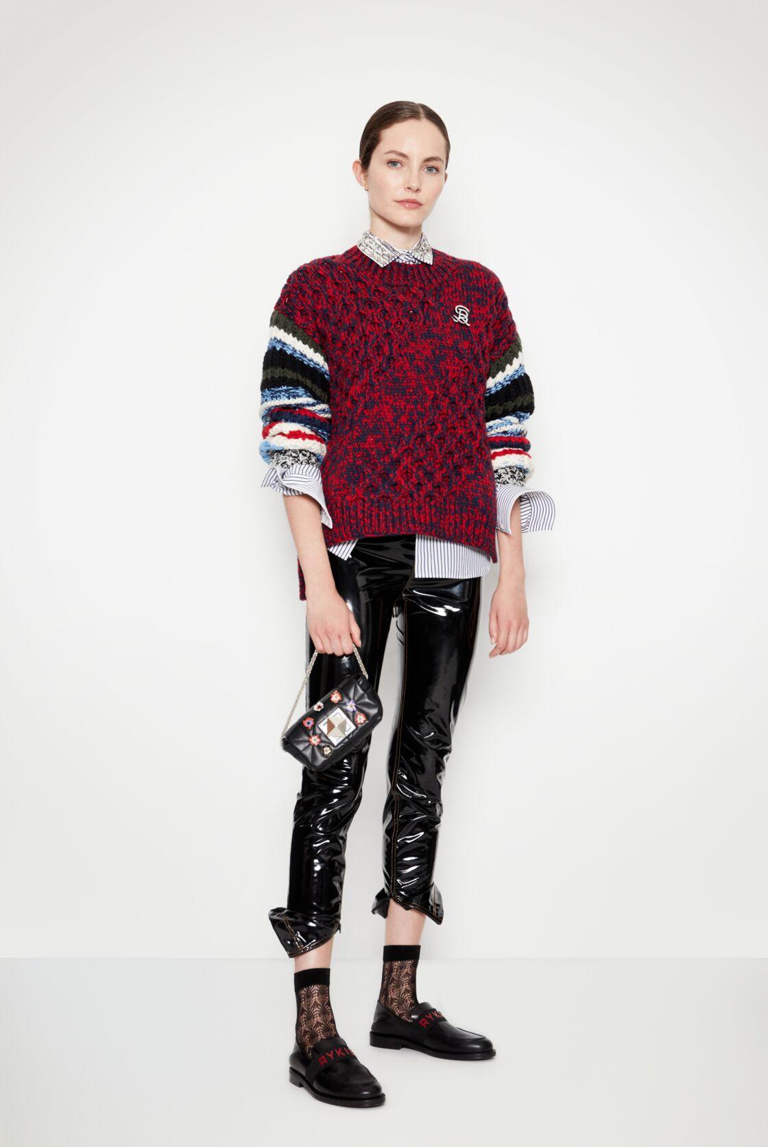 Les mailles tricotées et rayures reviennent en grâce sur le e-shop de Sonia Rykiel.