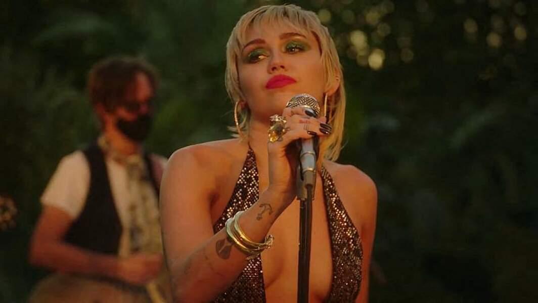 Miley Cyrus a depuis longtemps craqué au succès de la coupe mulet.