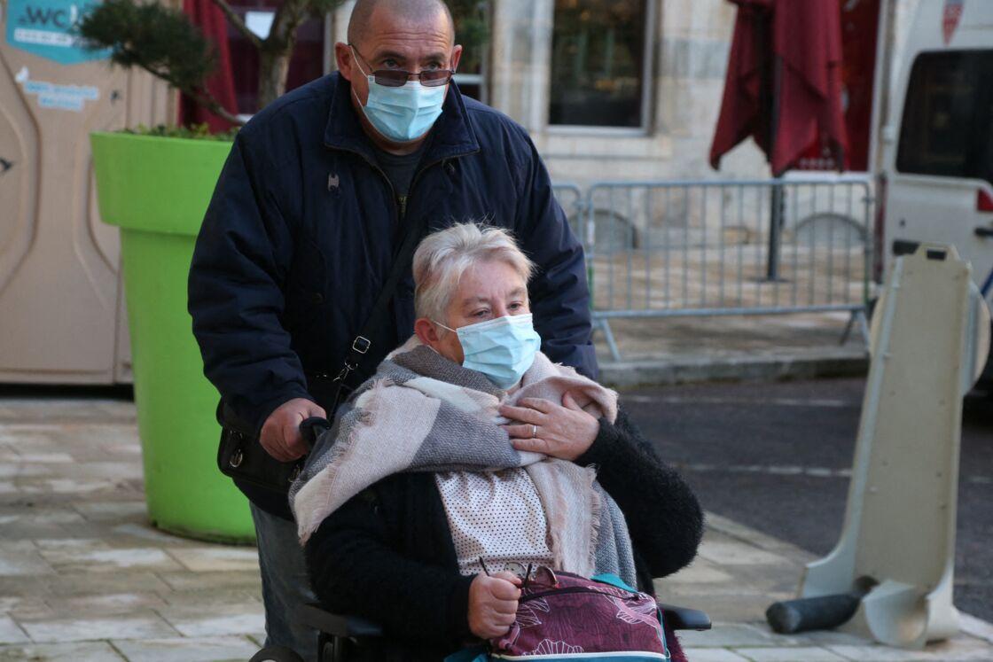 Discrète, Martine Henry se dit prête à déménager pour se rapprocher de son fils, Jonathann Daval