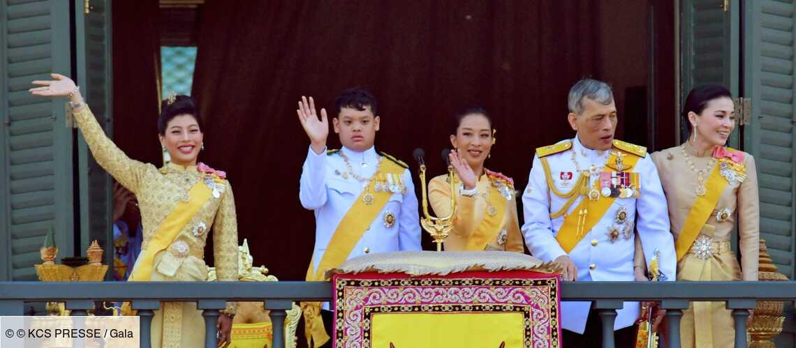 PHOTOS – Le roi de Thaïlande et sa famille : c'est pire que Dallas! - Gala
