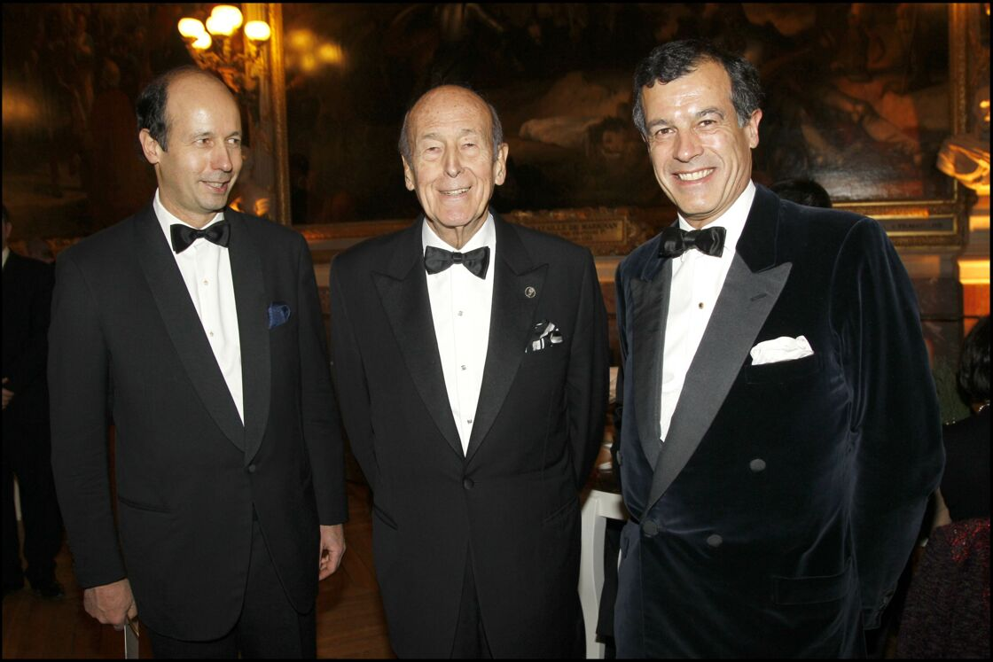 Valéry Giscard d'Estaing, cette fois avec ses deux garçons, Louis et Henri.