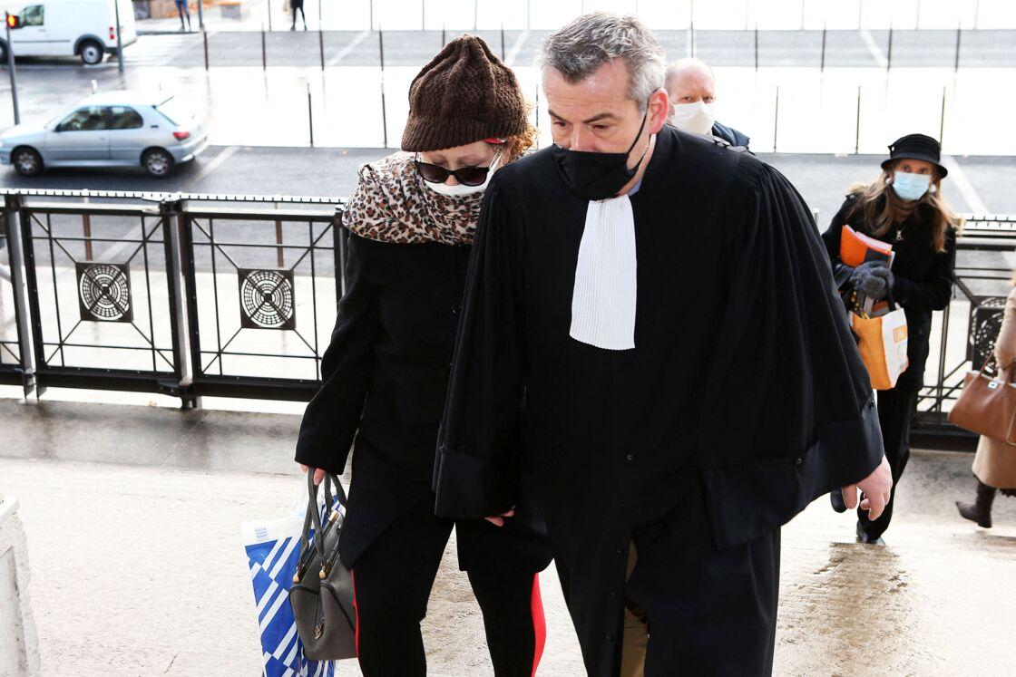Cécile Bourgeon, la mère de Fiona, arrive à la cour d'assise du Rhône à Lyon le 3 décembre 2020.