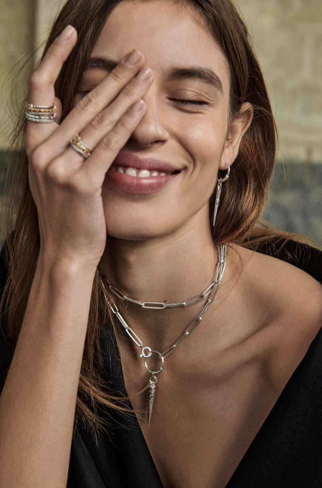 Ba&sh offre des créations attachantes et bohèmes, fidèle à son ADN de marque.