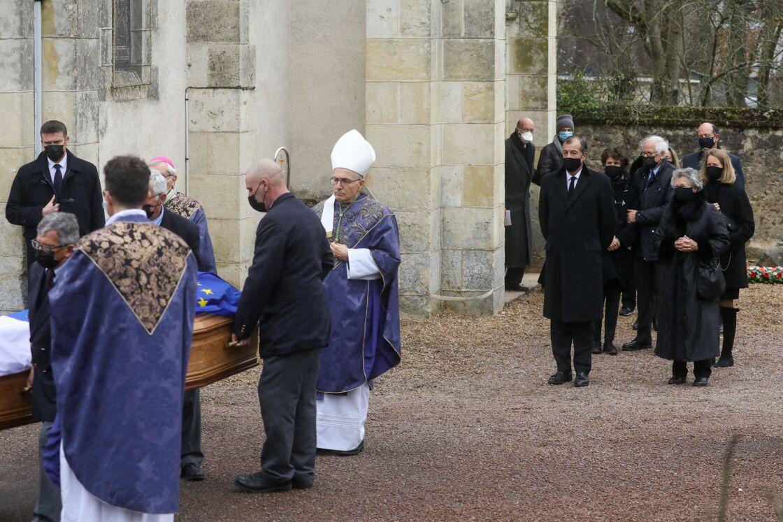 Obsèques intimes de Valéry Giscard d'Estaing à Authon
