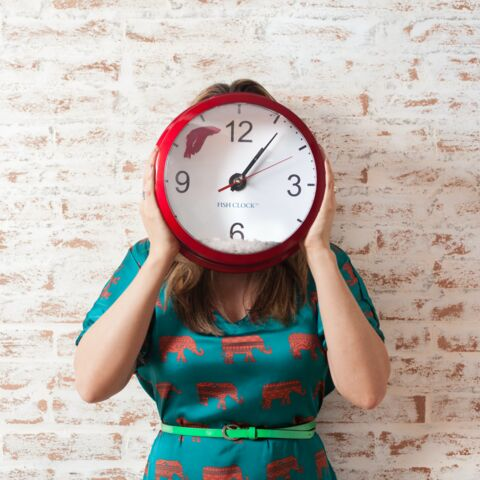 Maquillage de fêtes: 5 astuces pour se faire belle en 15 minutes chrono