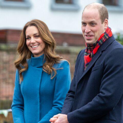 Kate Middleton et William avec leurs trois enfants sur tapis rouge: la vidéo trop craquante!