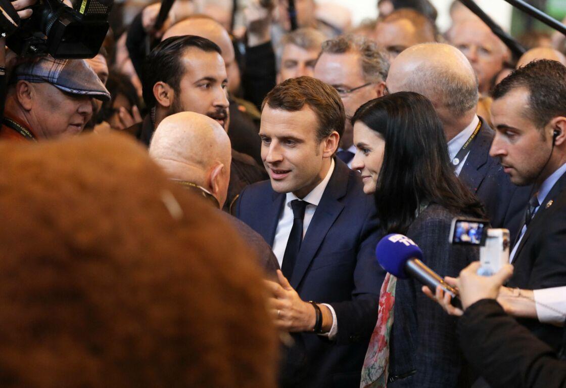 En juillet 2018, Emmanuel Macron a rapidement tenu à démentir la rumeur selon laquelle il aurait entretenu une relation intime avec son chargé de mission Alexandre Benalla.