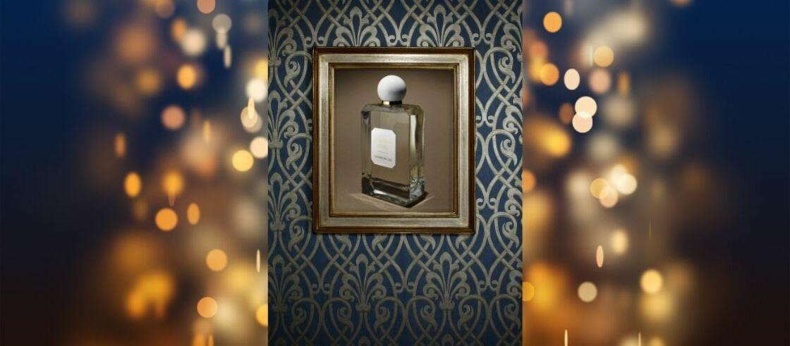Eau de Toilette Casanova 2161 Palazzo Nobile Valmont. Cadre L' Art d'Encadrer ( www.artdencadrer.com). Papier peint  Brook Street - Elysian Little Greene.fr