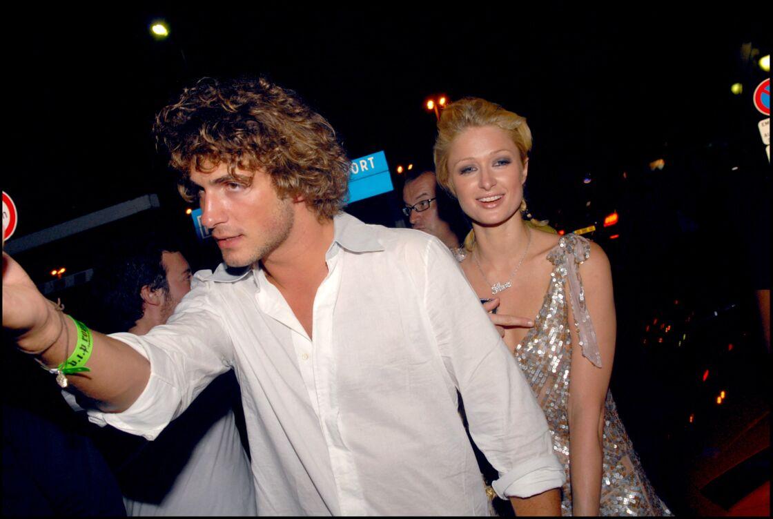 Stavros Niarchos et Paris Hilton au VIP Room de Saint-Tropez, le 31 juillet 2006