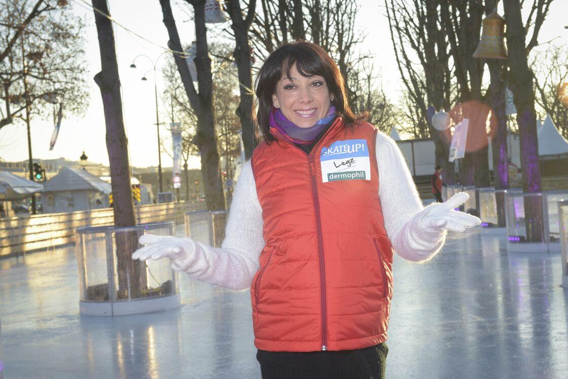 Sarah Abitbol lors d'un fitness géant sur glace à PAris le 29 décembre 2014.