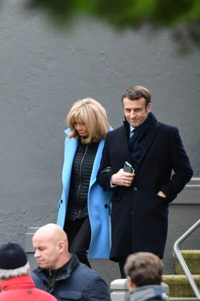 Emmanuel et Brigitte Macron devant leur résidence du Touquet,   le 15 mars 2020.