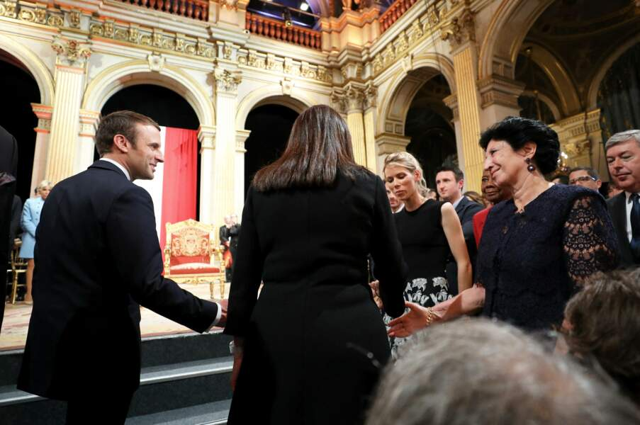 Emmanuel Macron, Anne Hidalgo (de dos), Tiphaine Auzière et Françoise Noguès-Macron à Paris, le 14 mai 2017.
