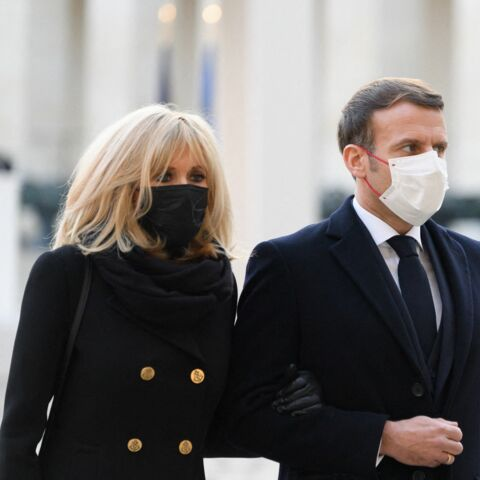 Brigitte Macron victime de la «camisole» de la Première dame