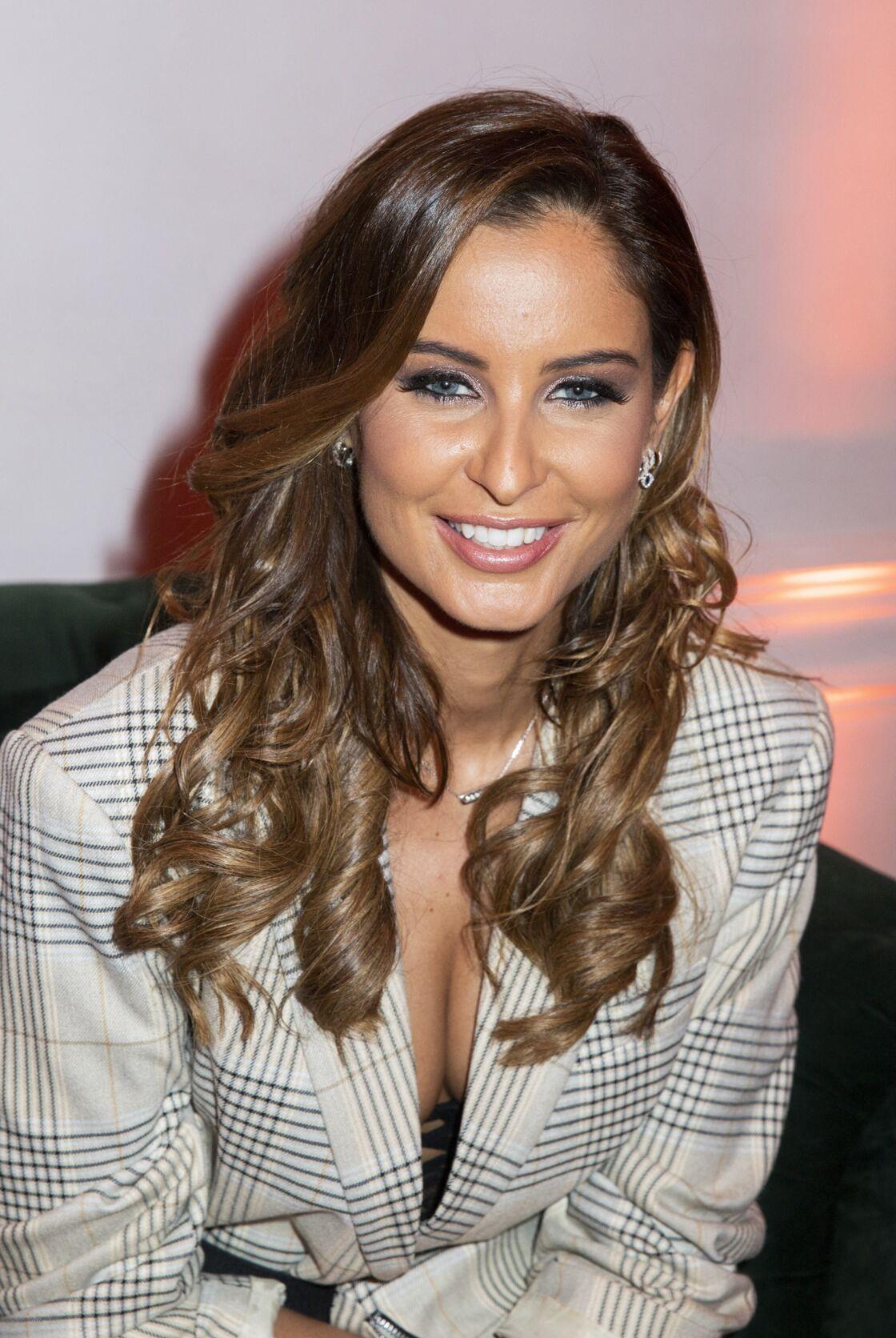 Malika Ménard (Miss France 2010) lors du lancement de l'émission de téléréalité Love Island présentée par N.Benattia sur Amazon Prime à Paris, France, le 2 mars 2020.