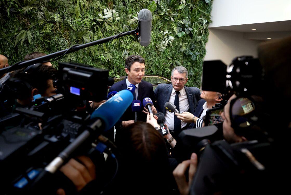 Benjamin Griveaux en train de présenter son projet à la presse, juste avant que les vidéos intimes de lui ne soient divulguées sur Internet.