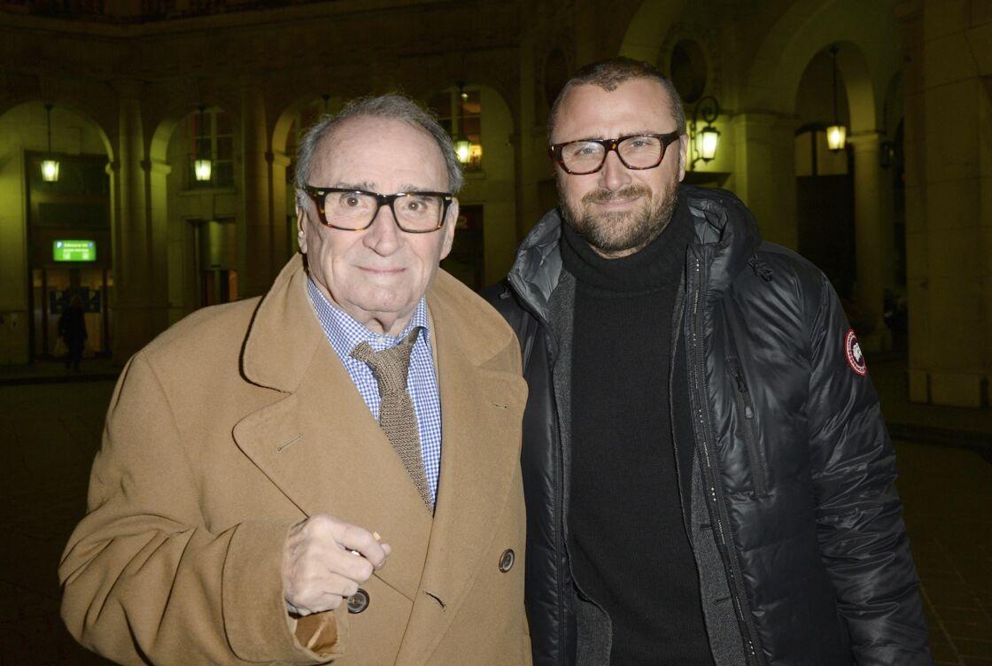 Claude Brasseur et son fils Alexandre, au théâtre Édouard VII à Paris, le 10 février 2014.