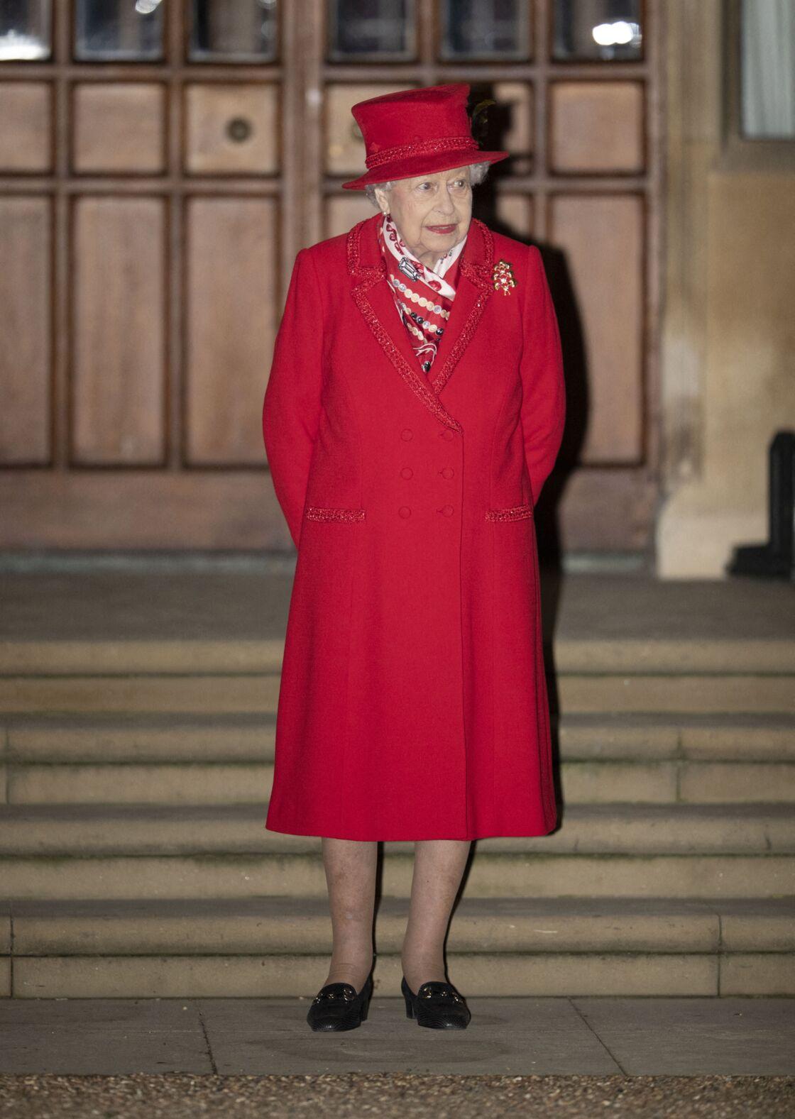 La reine Elisabeth II d'Angleterre - La famille royale se réunit devant le chateau de Windsor pour remercier les membres de l'Armée du Salut et tous les bénévoles qui apportent leur soutien pendant l'épidémie de coronavirus (COVID-19) et à Noël le 8 décembre 2020. 8 December 2020.