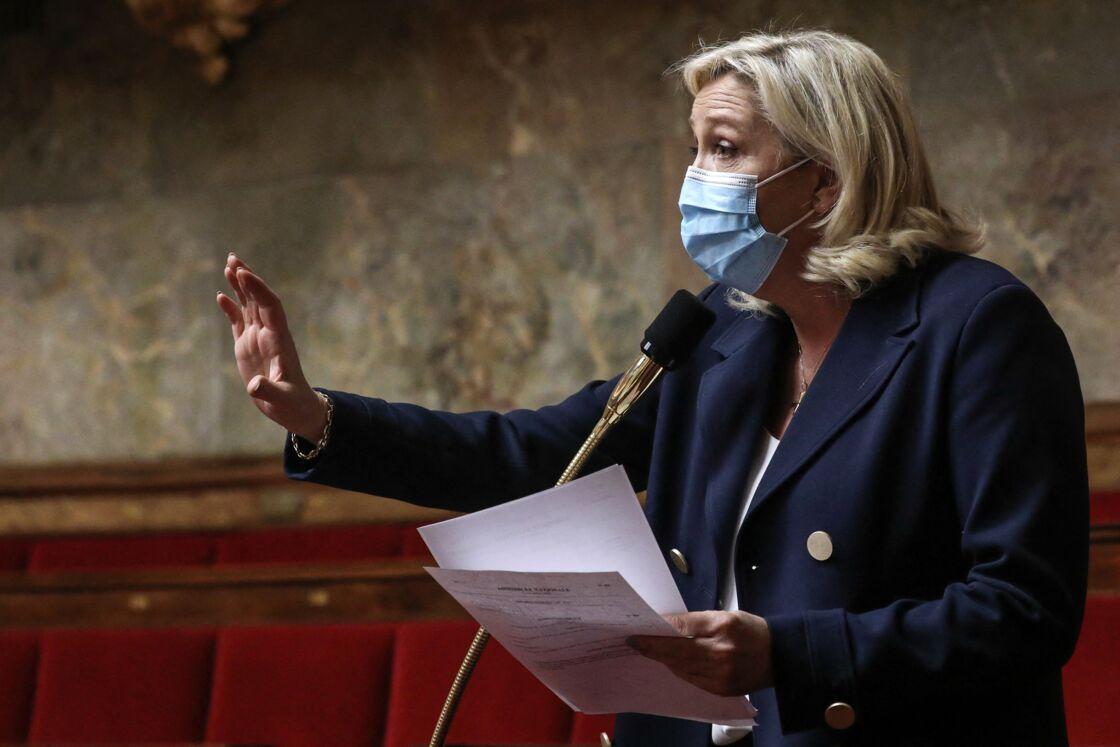 Marine Le Pen réticente à l'égard du vaccin contre le coronavirus