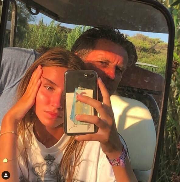 Vittoria de Savoie et son père Emmanuel-Philibert de Savoie pour un tendre selfie en octobre 2019.