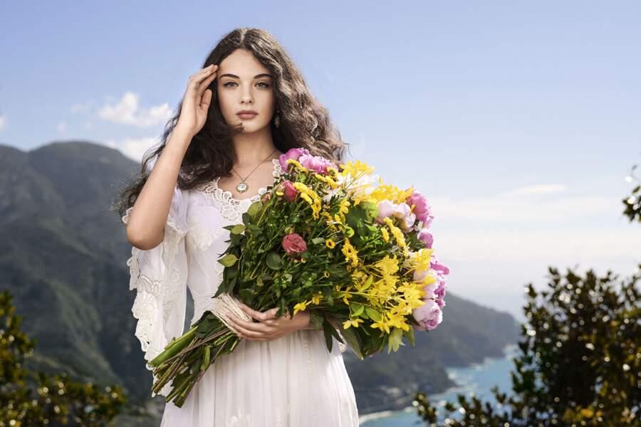 Deva Cassel, la fille de Vincent Cassel et Monica Bellucci, dans la deuxième campagne Dolce & Gabbana pour le parfum Shine