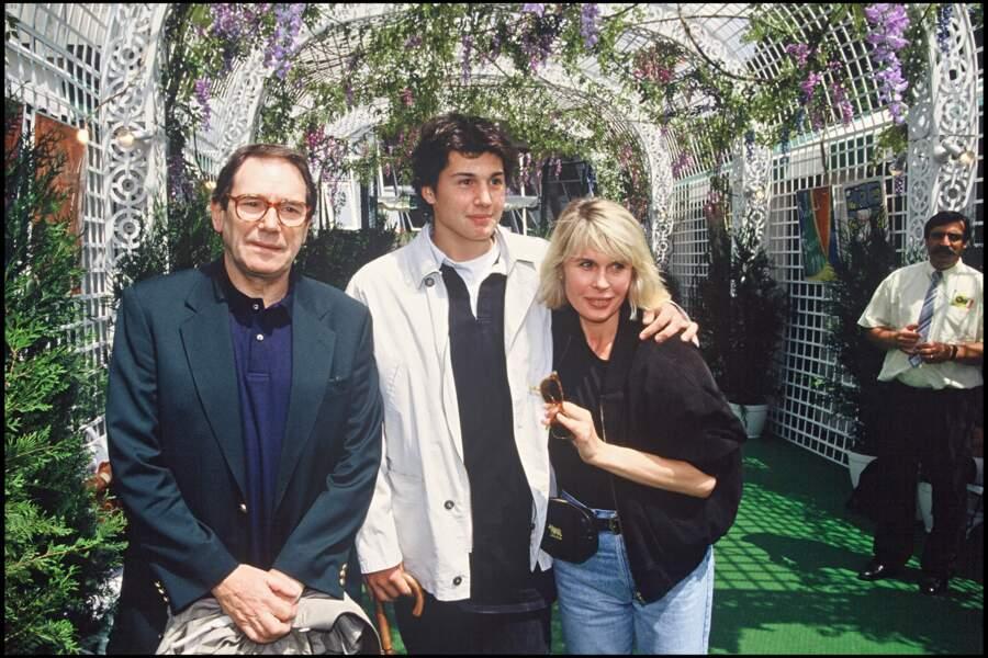 Robert Hossein accompagné de sa femme Candice et de son fils, Julien