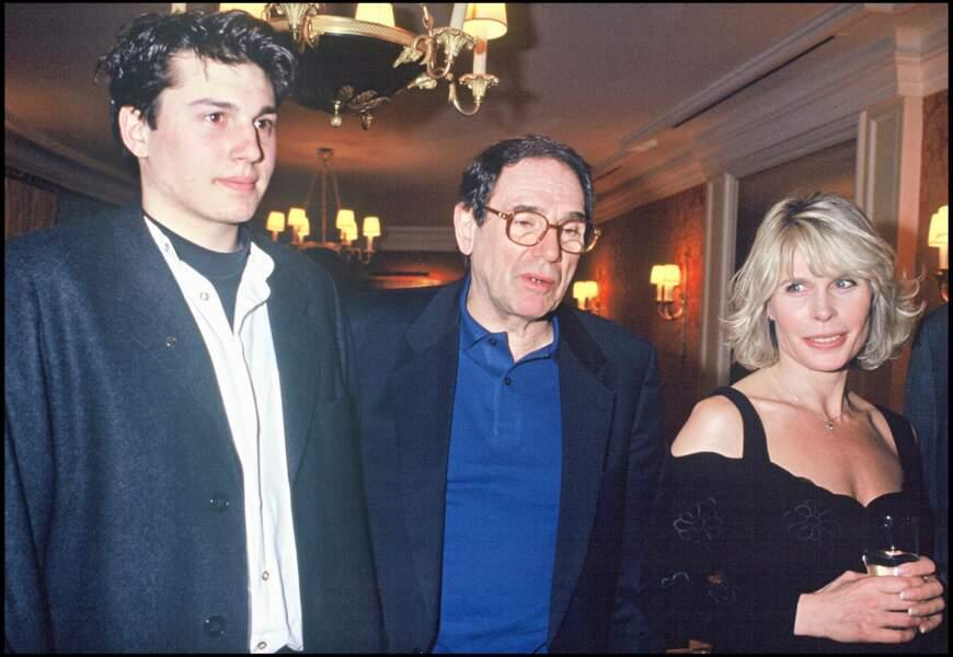 Robert Hossein aux côtés de son épouse Candice Patou et de leur fils, Julien Hossein