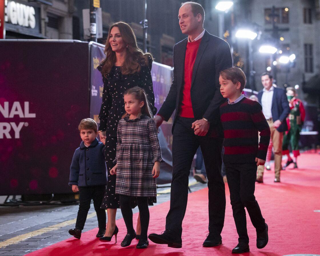 Kate Middleton et le prince William et leurs enfants Louis, Charlotte et George le 11 décembre 2020