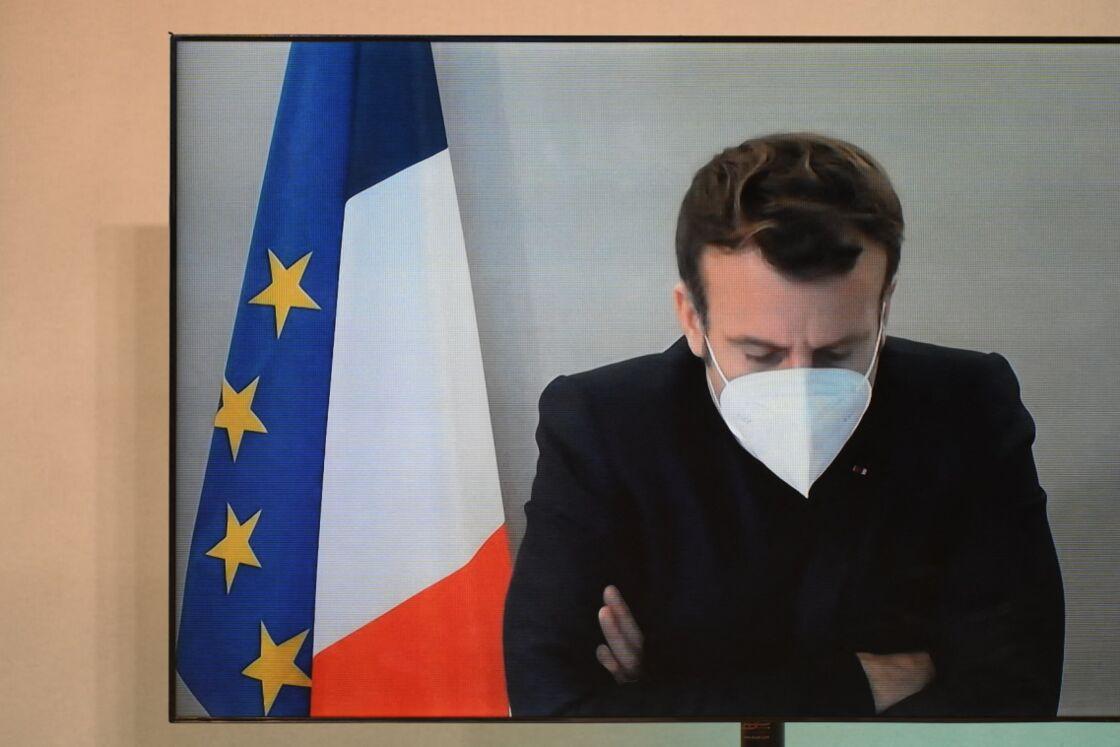 Juste avant Noël, Emmanuel Macron, contaminé et symptomatique au Covid-19, a été placé à l'isolement à la résidence de La Lanterne.