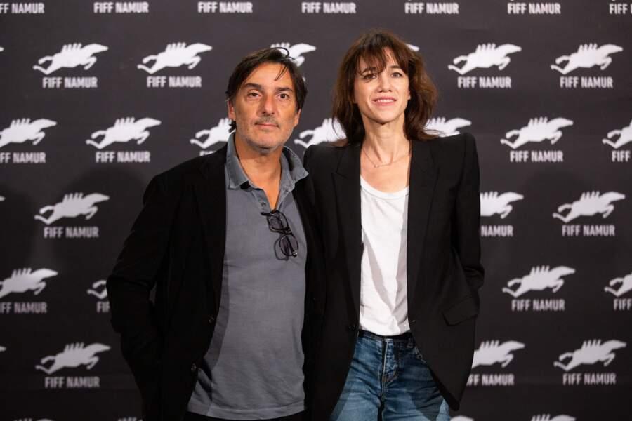 """Yvan Attal et Charlotte Gainsbourg lors du photocall de """"Mon chien stupide"""", à Namur, le 1er octobre 2019."""