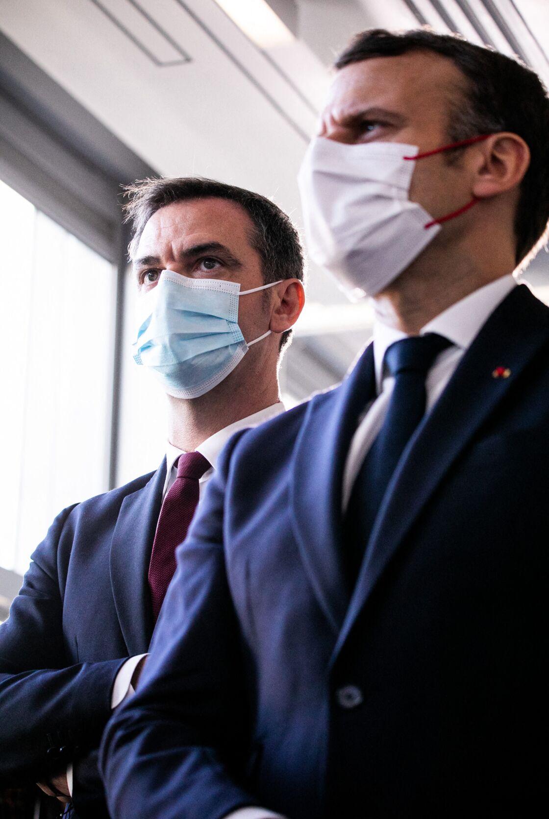 Malgré ses recadrages, Emmanuel Macron soutient son ministre