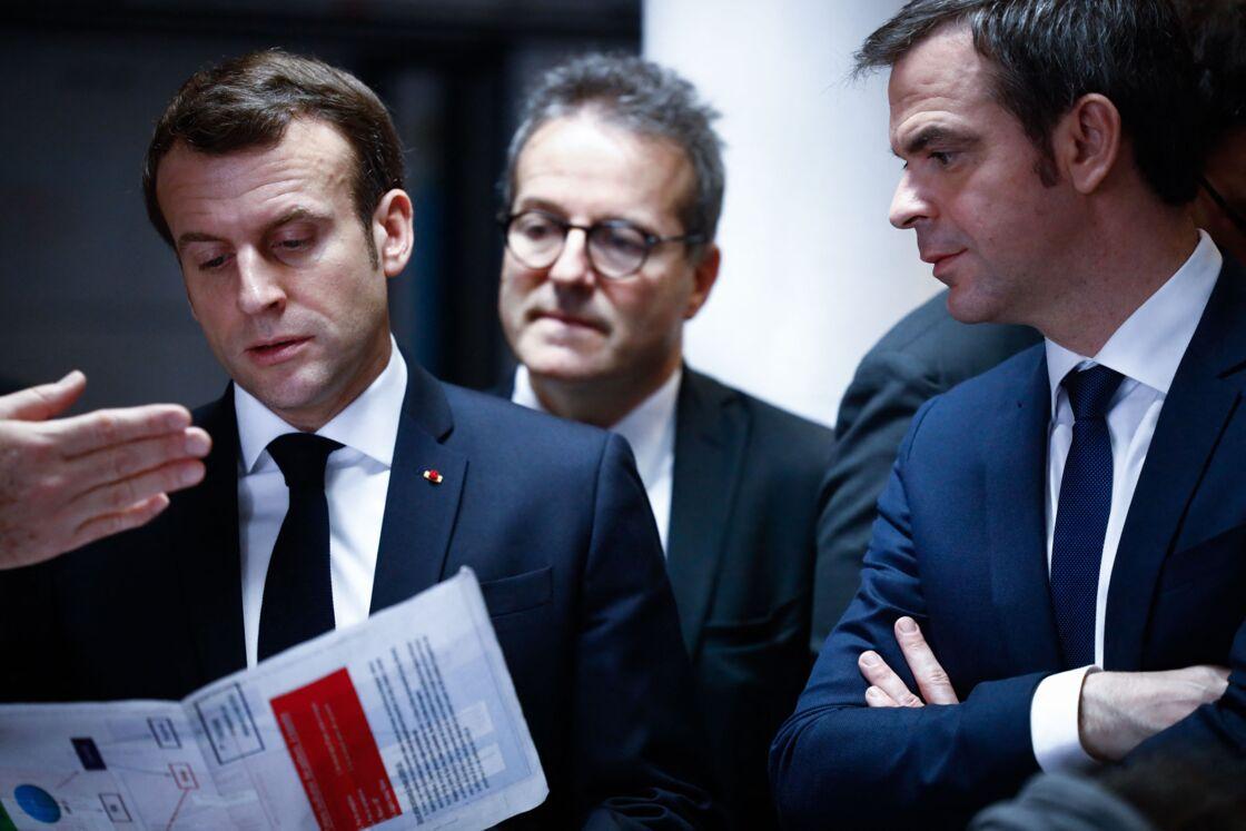 La stratégie d'Olivier Véran ne convainc pas