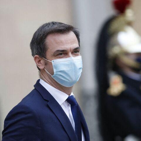 """Olivier Véran """"pas dans la zone de danger de mort"""" malgré les critiques"""