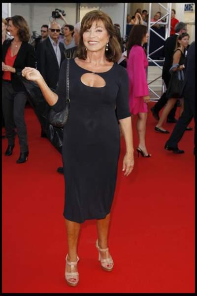 Marie France Pisier sur red carpet en 2010
