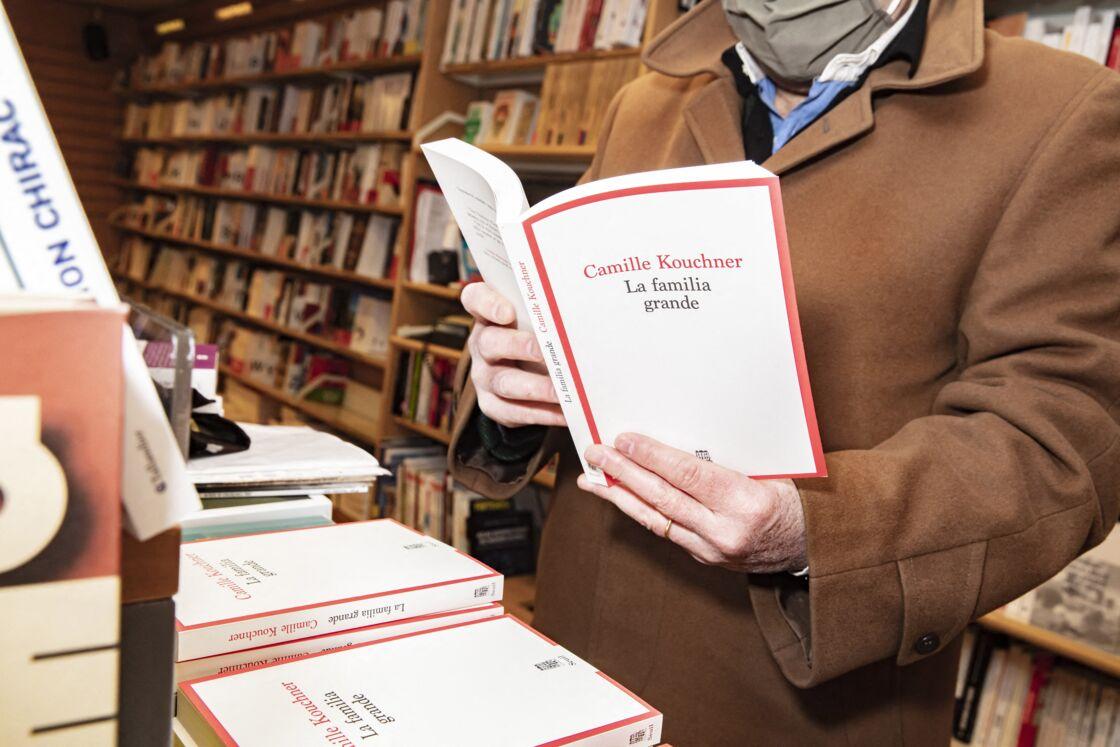 Le livre La Familia grande est dédié à Marie-France Pisier