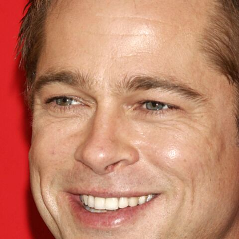 Brad Pitt sous la douche