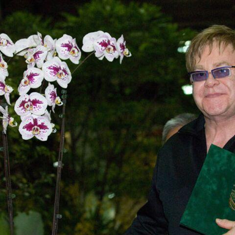 Elton John, un livre pour parler du sida