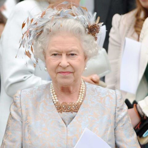 Elizabeth II copie le look de Camilla!