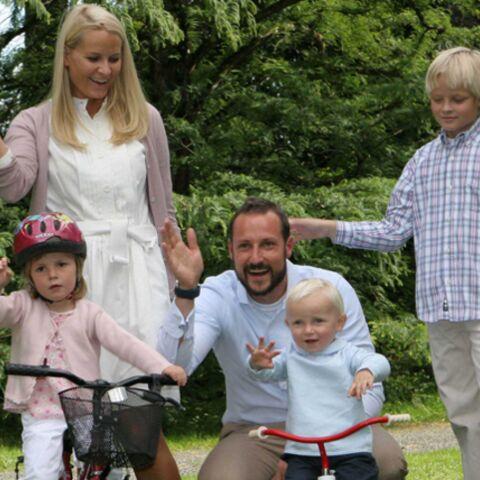 Garden party familiale pour Haakon et Mette Marit