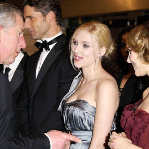 Le prince Charles complimente Scarlett Johansson et Natalie Portman!